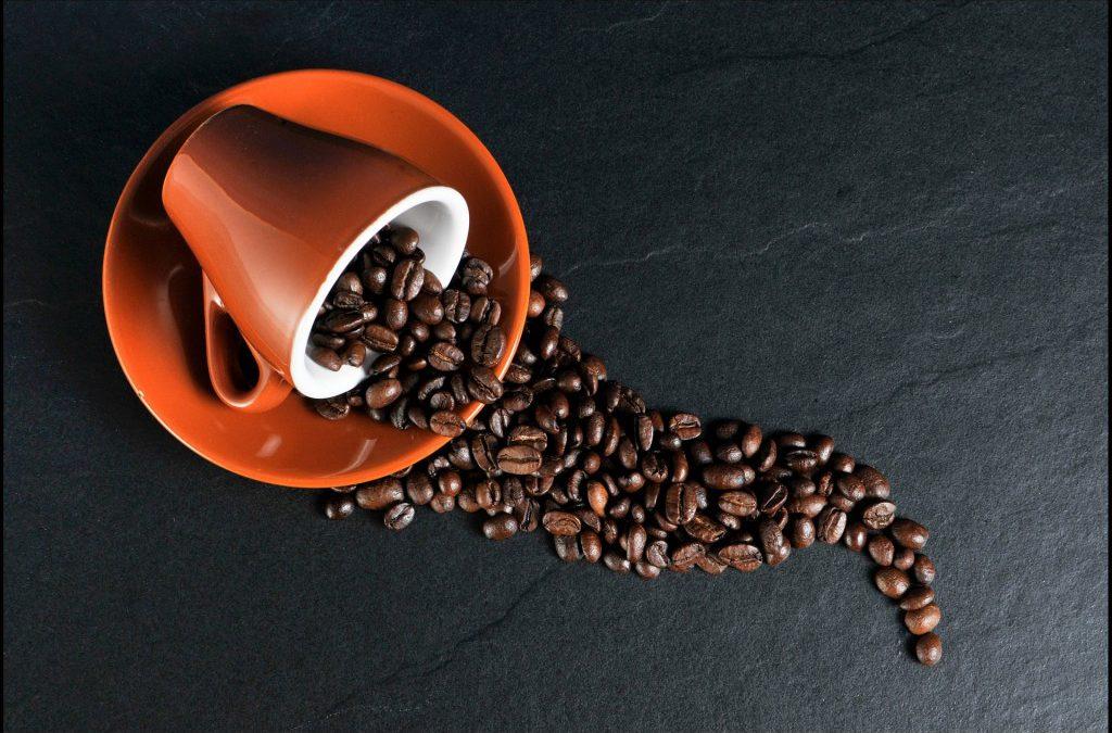 """Jak otworzyć własną kawiarnię? O czym należy pamiętać, jeśli chcemy otworzyć """"małą"""" kawiarenkę?"""